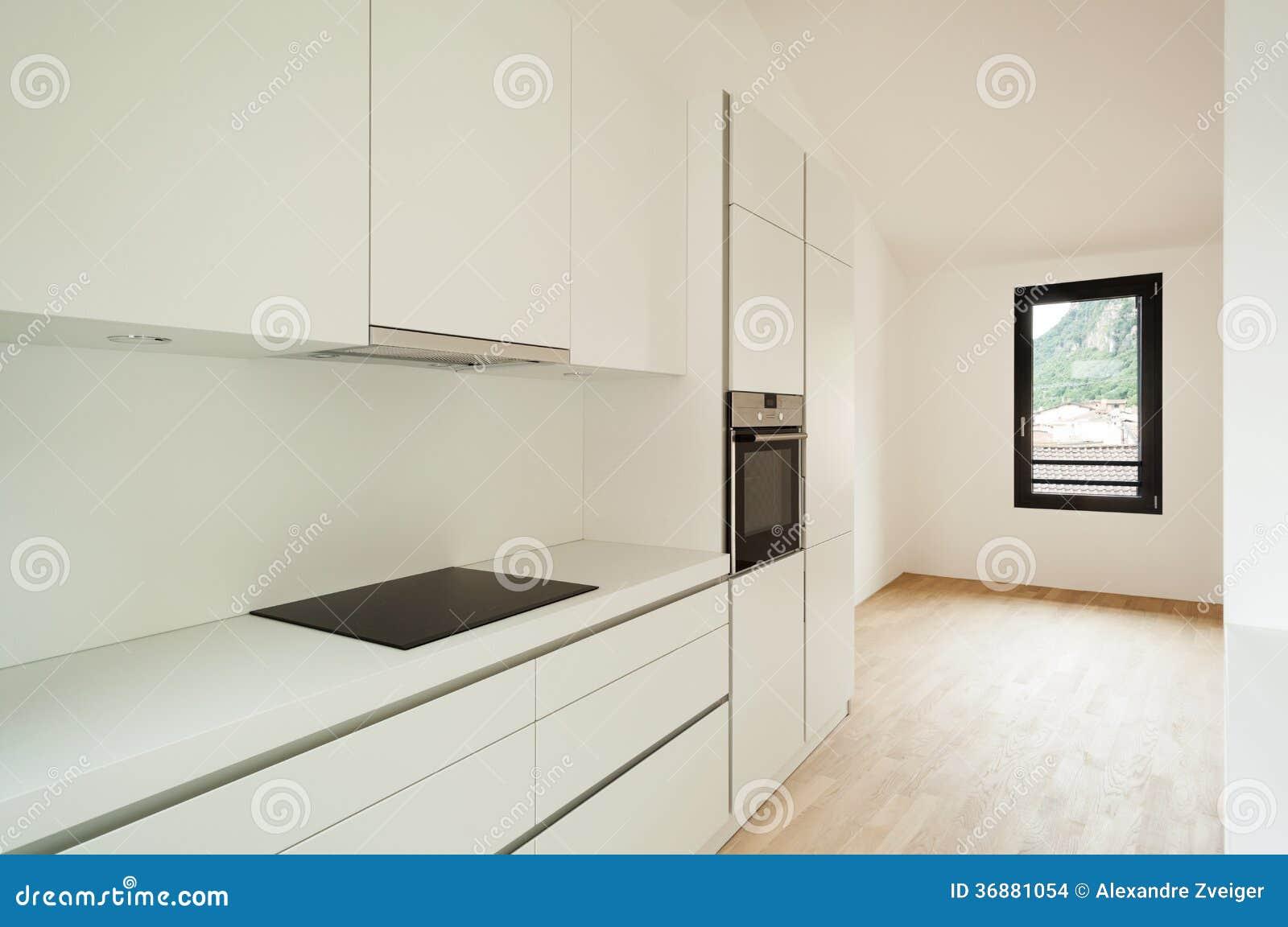 Neues Innenhaus, Küche stockfoto. Bild von architektur - 36881054