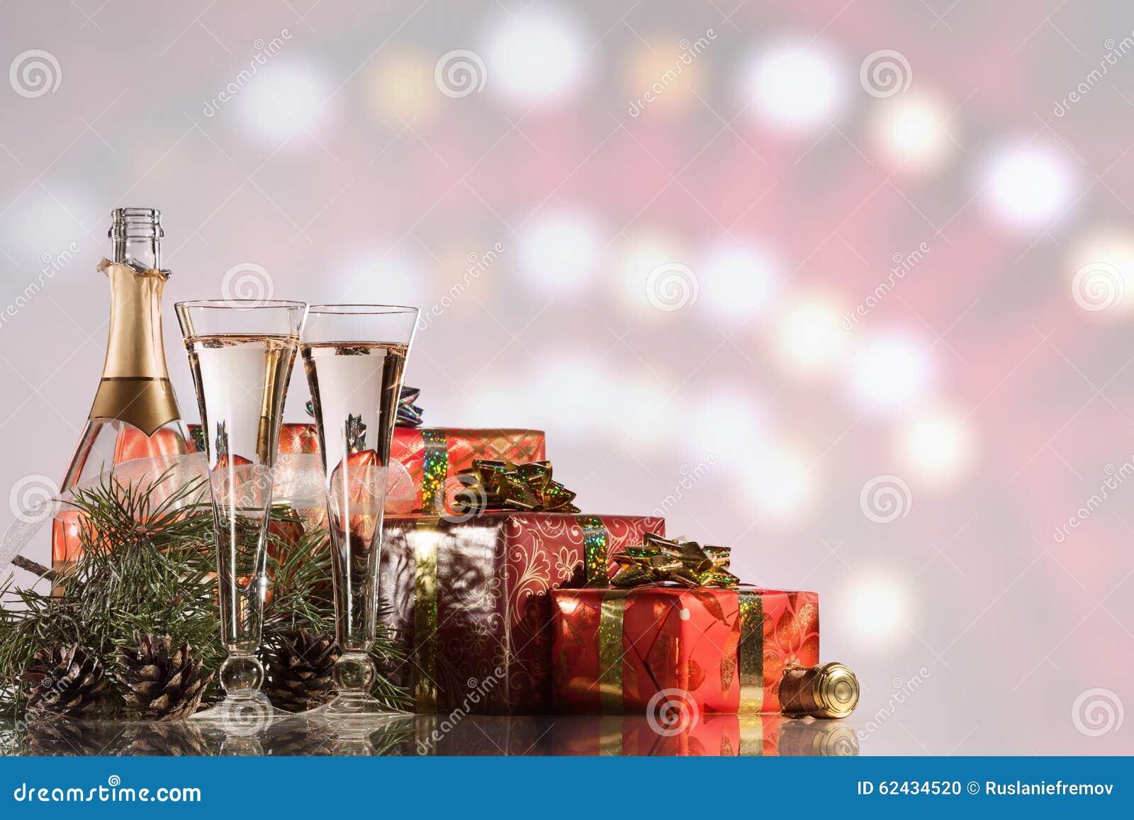 Neues Jahr-und Weihnachtsfeier Champagne, Zwei Weingläser ...