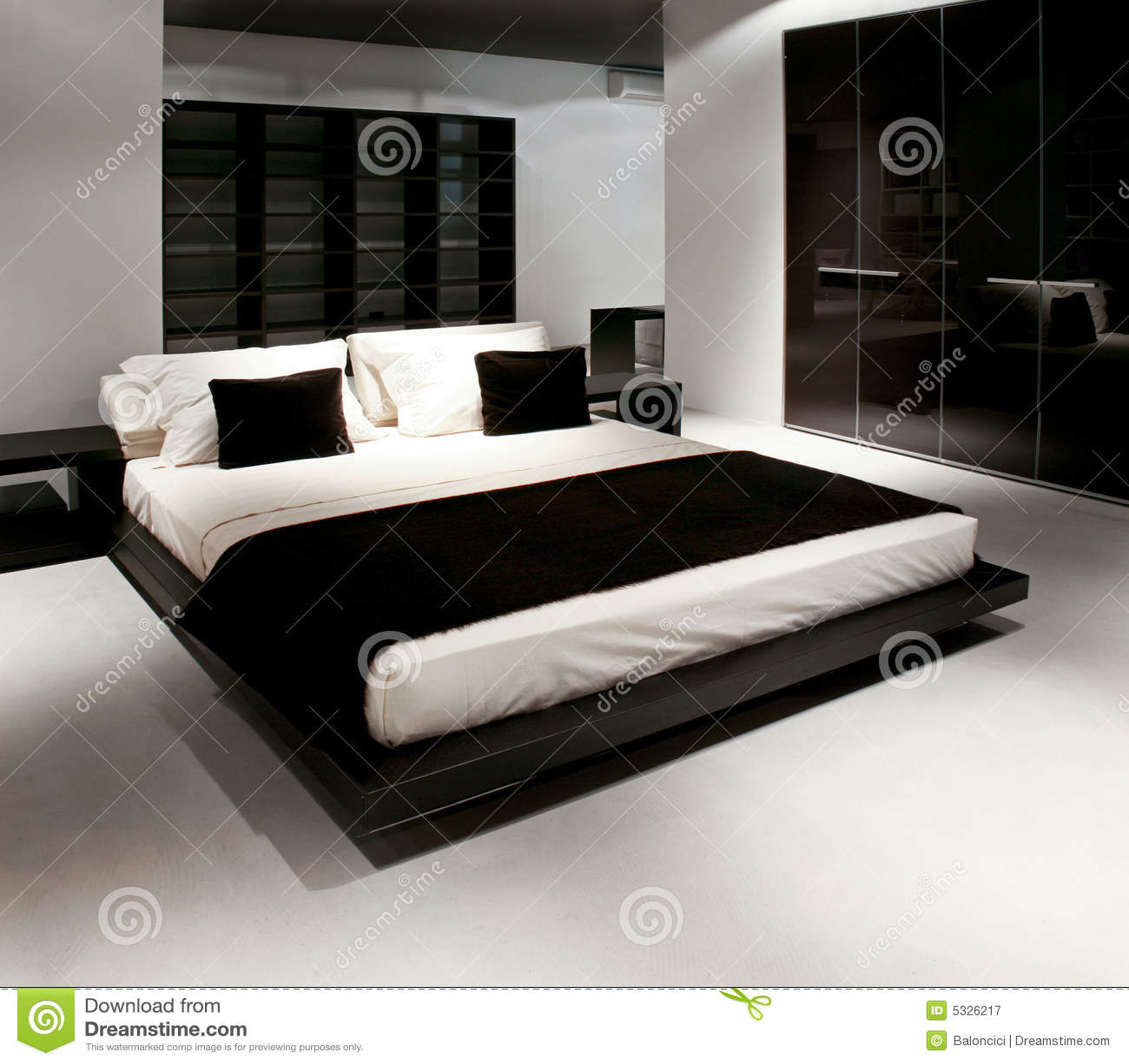 Neues Schlafzimmer stockbild. Bild von innen, schlaf, regal - 5326217