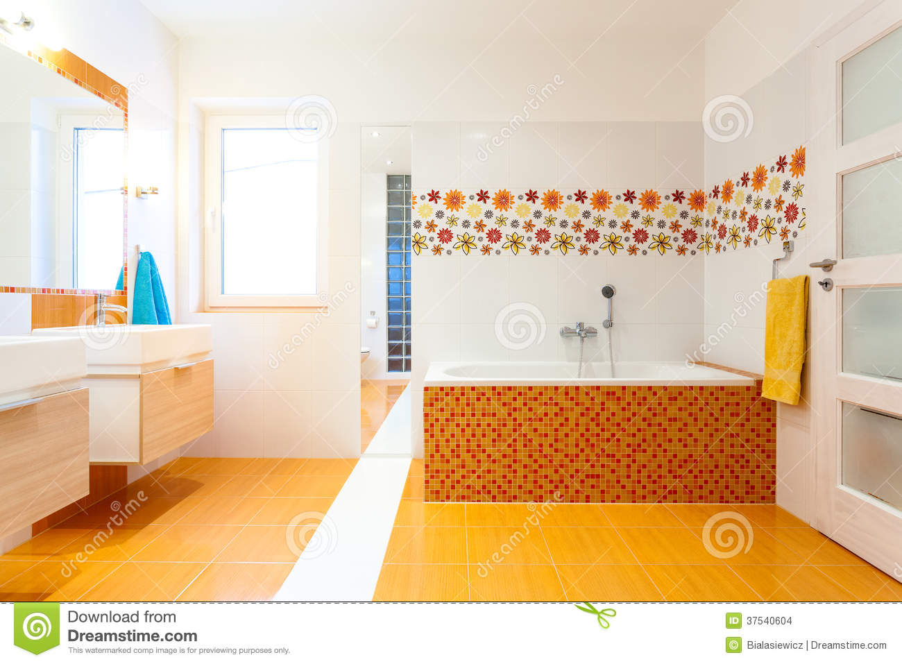 Badezimmer fliesen mosaik bunt  Orange Fliesen Mosaik Stockfotos – 1,060 Orange Fliesen Mosaik ...