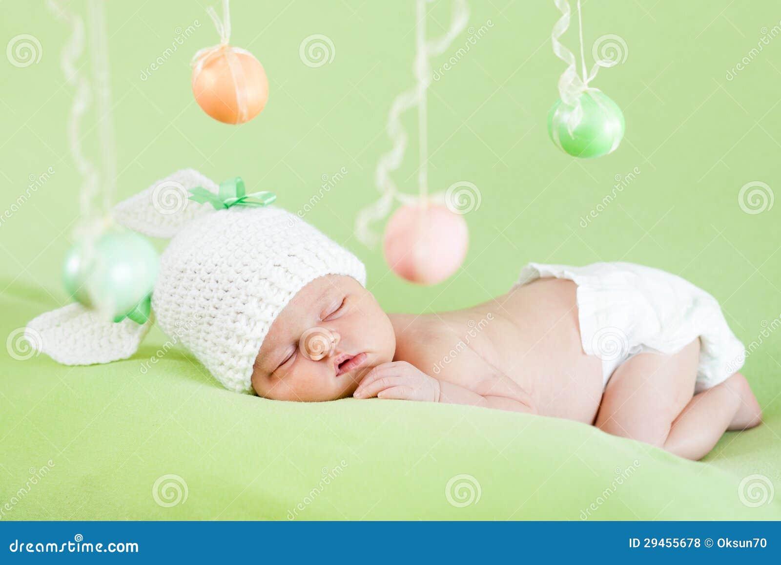 Neugeborenes Baby Ostern Stockfoto Bild Von Grün Windel 29455678