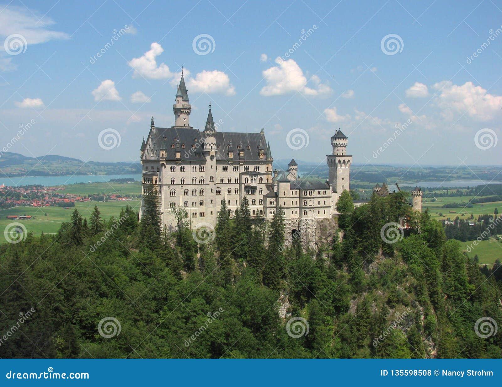 Neuschwanstein-Schloss, Fussen, Bayern, Deutschland