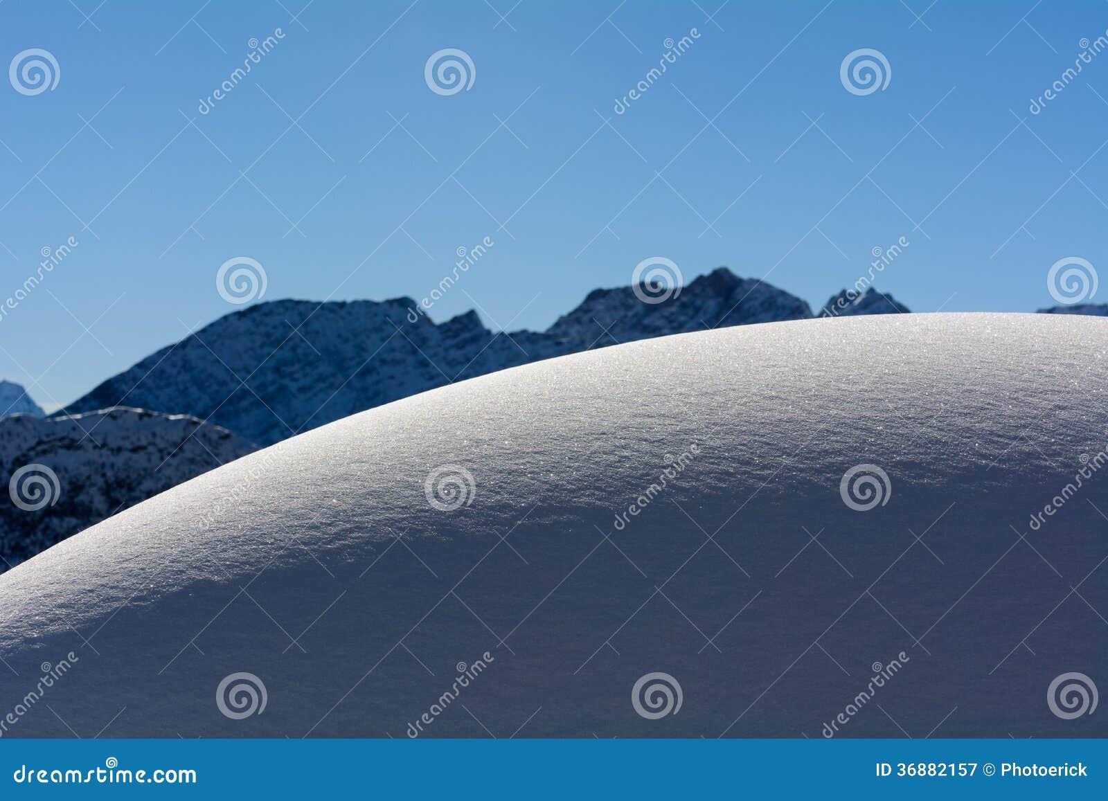 Download Neve fresca immagine stock. Immagine di neve, montagna - 36882157