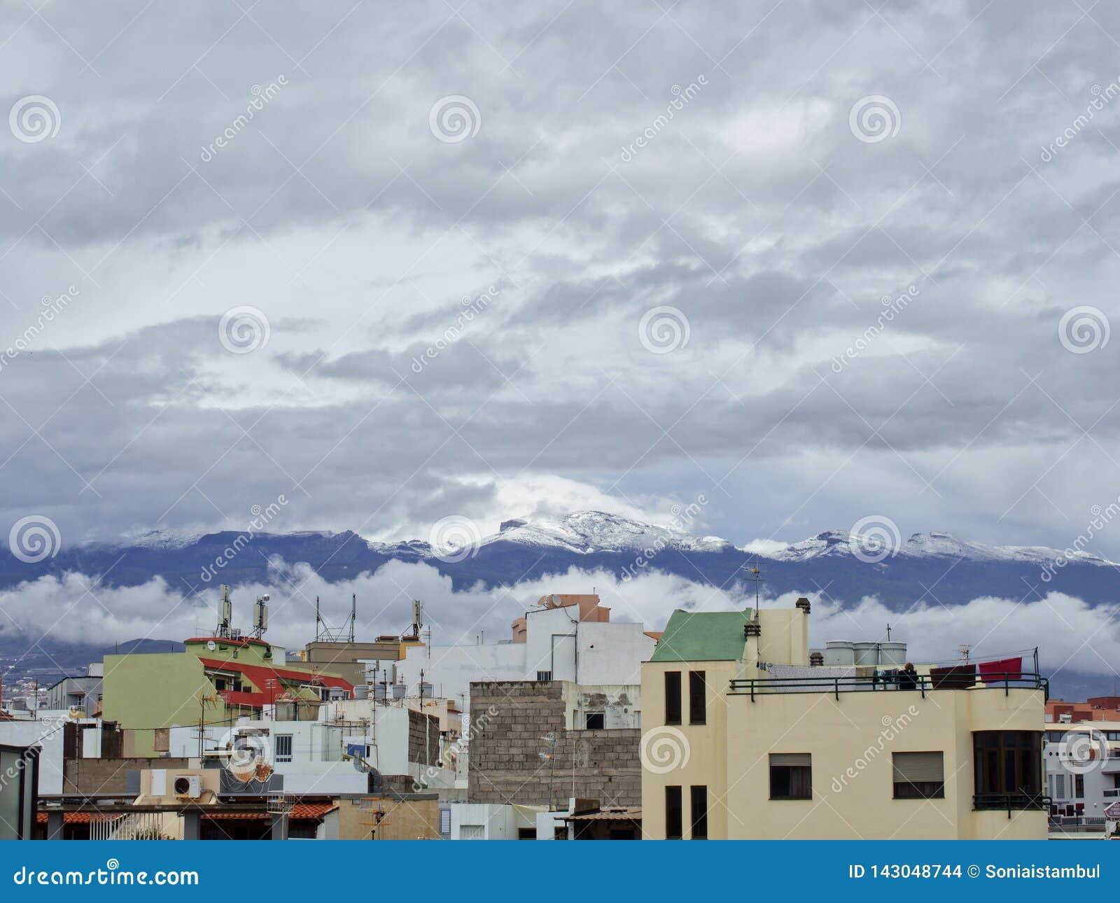 Neve nas Ilhas Can?rias, Tenerife, Espanha