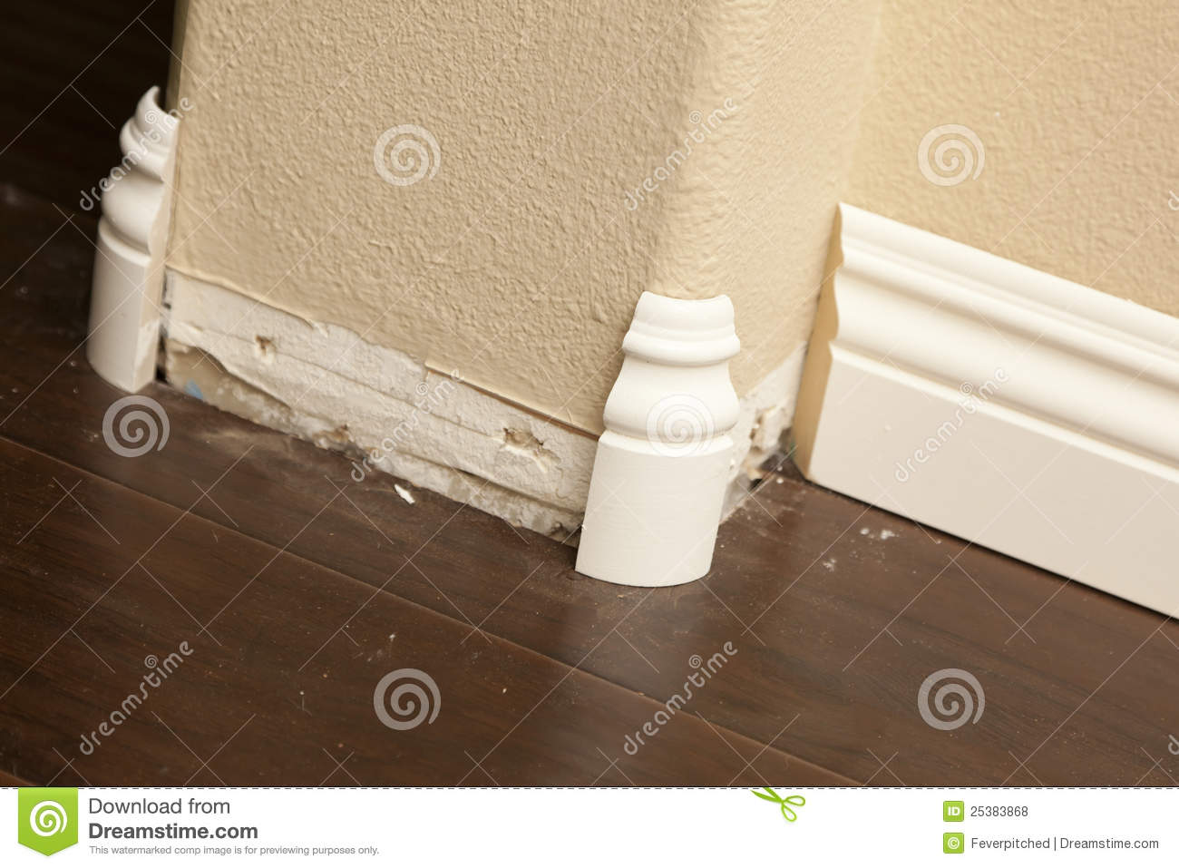 New Baseboard And Bull Nose Corners With Laminate Flooring