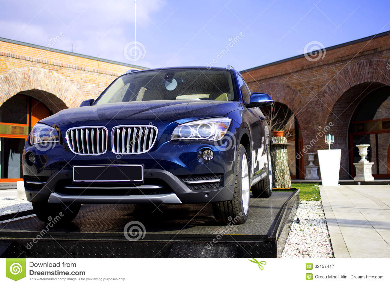 Expensive Car For Sale Or Gift Royalty Free Stock Image: New Car Royalty Free Stock Photography