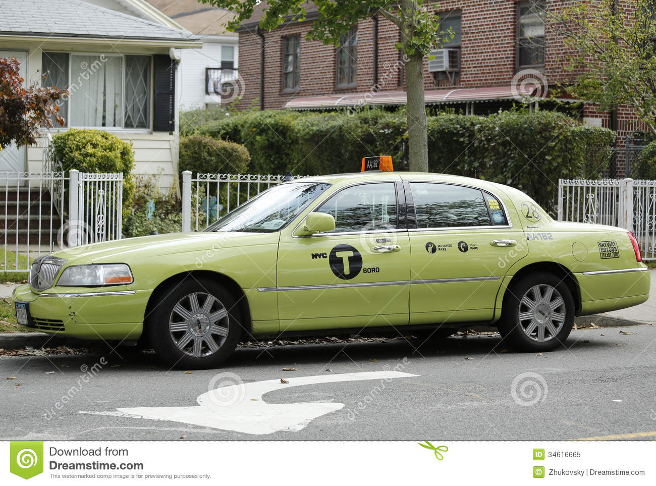 New Green Colored Boro Taxi In York Editorial Image Of Lincoln Town Car