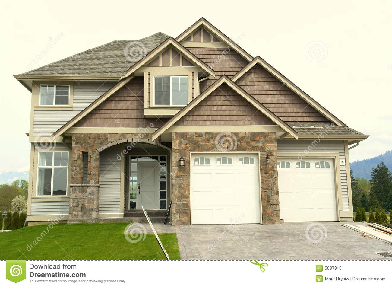 New Home House Front Garage Royalty Free Stock Image