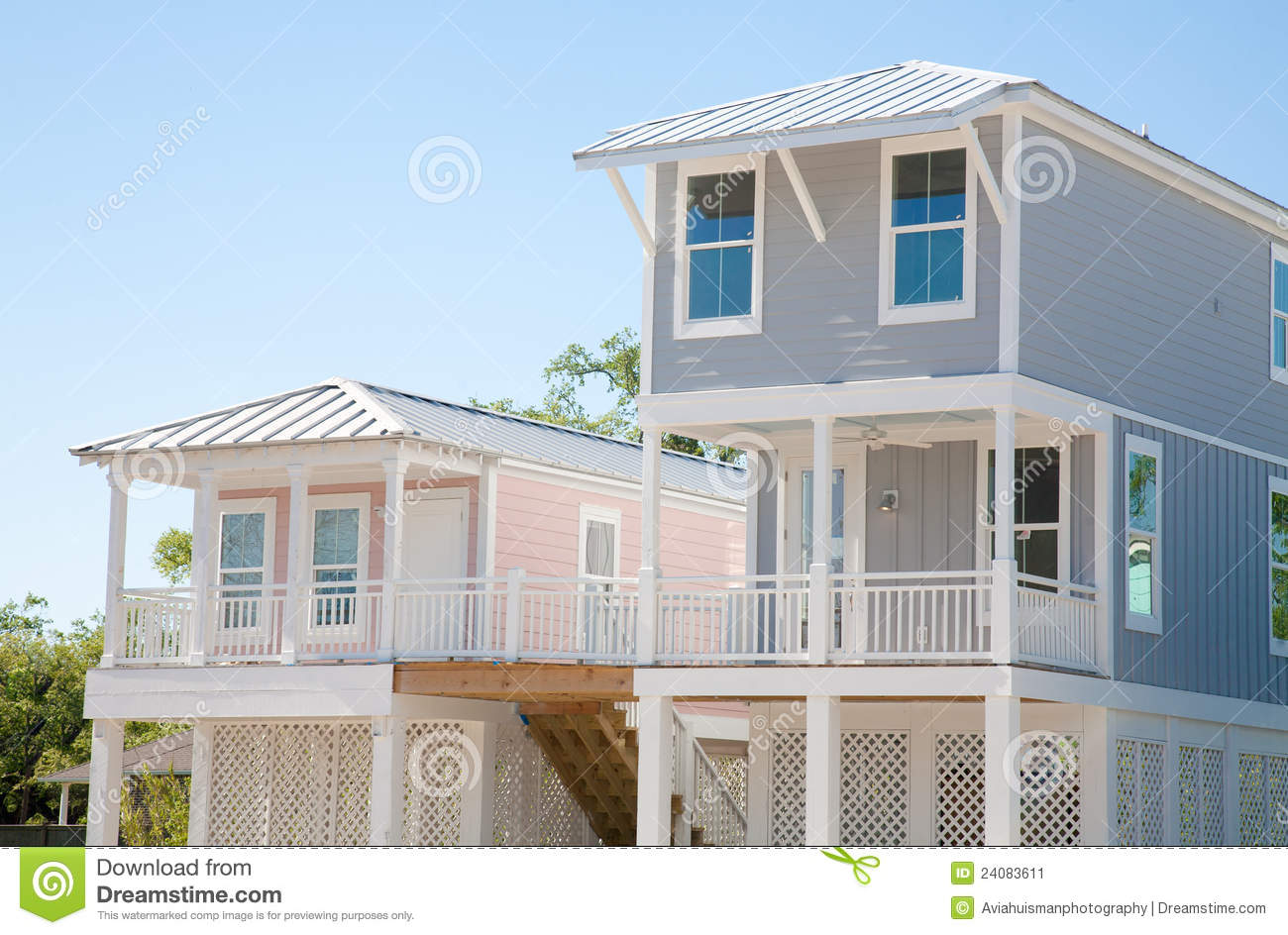 New Homes Modern Elevated Homes Stock Image Image 24083611