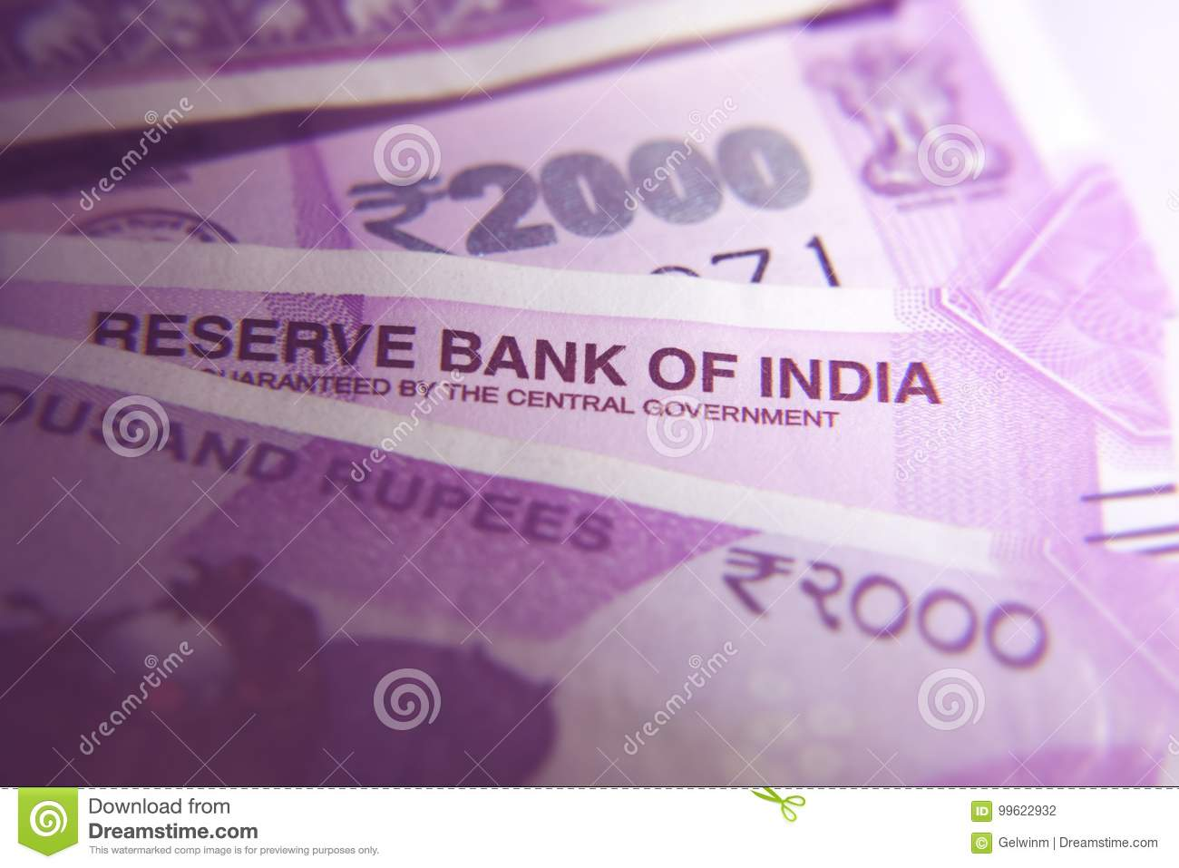 New Indian 2000 rupee notes