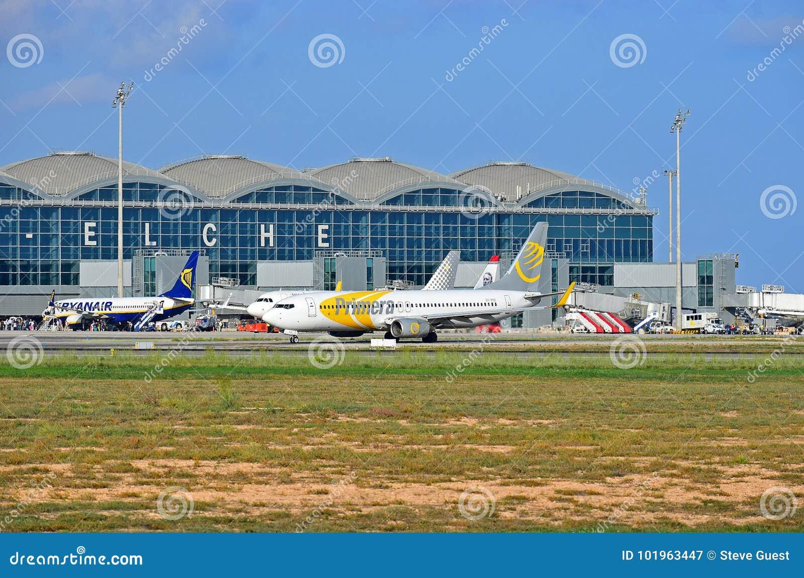 Primera Airlines Alicante Elch...