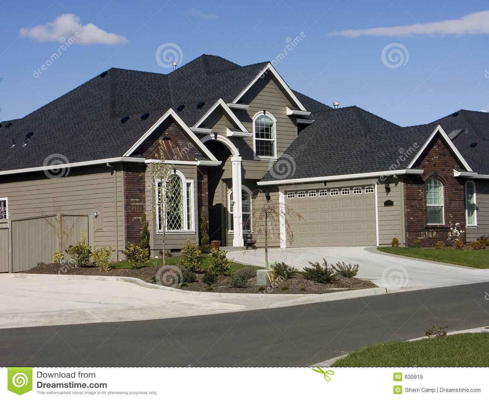 New modern american house stock image image of brick for Casa moderna americana