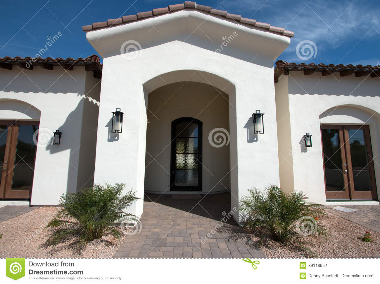 New Modern Home Mansion Entrance Stock Photo - Image of dining