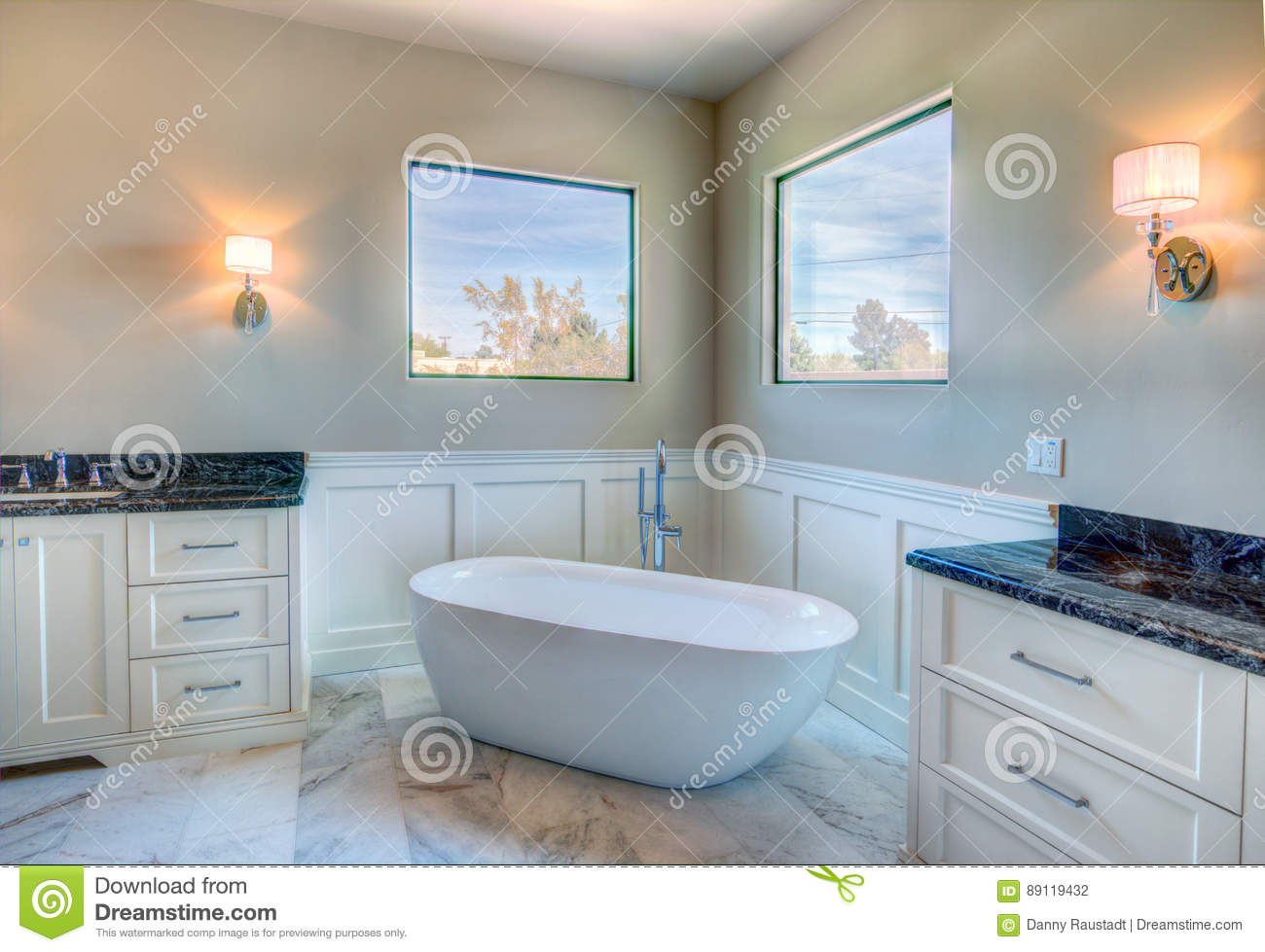 New Modern Home Mansion Master Bath Stock Photo - Image: 89119432