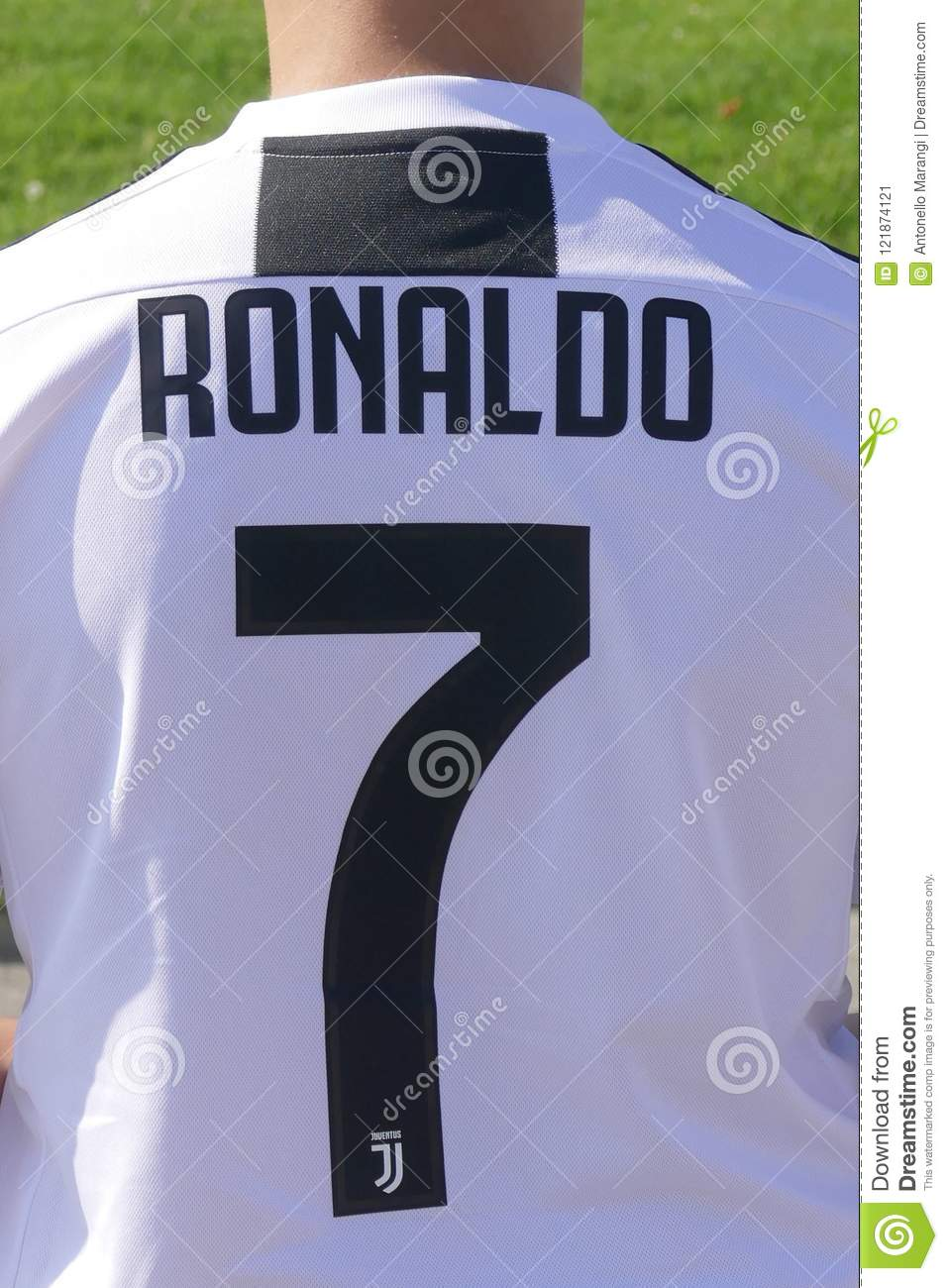 on sale fe2f3 81851 New Team Jersey For Cristiano Ronaldo Player Of Juventus Fc ...