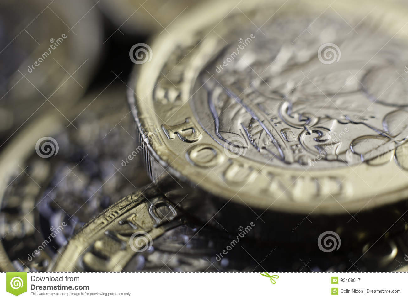 New UK one pound coins