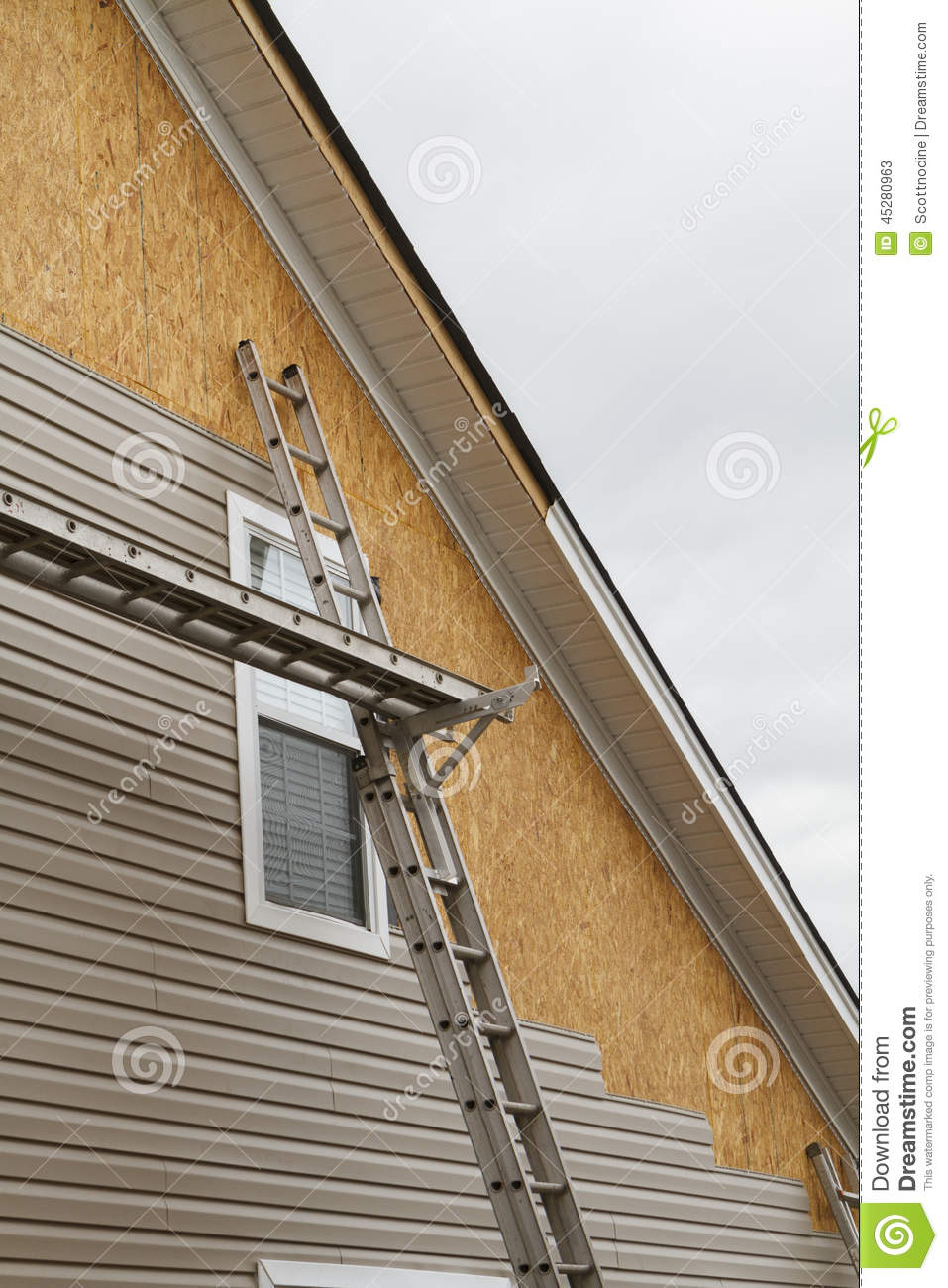 New Vinyl Siding Installation On A Home In The South Stock Photo Image 45280963
