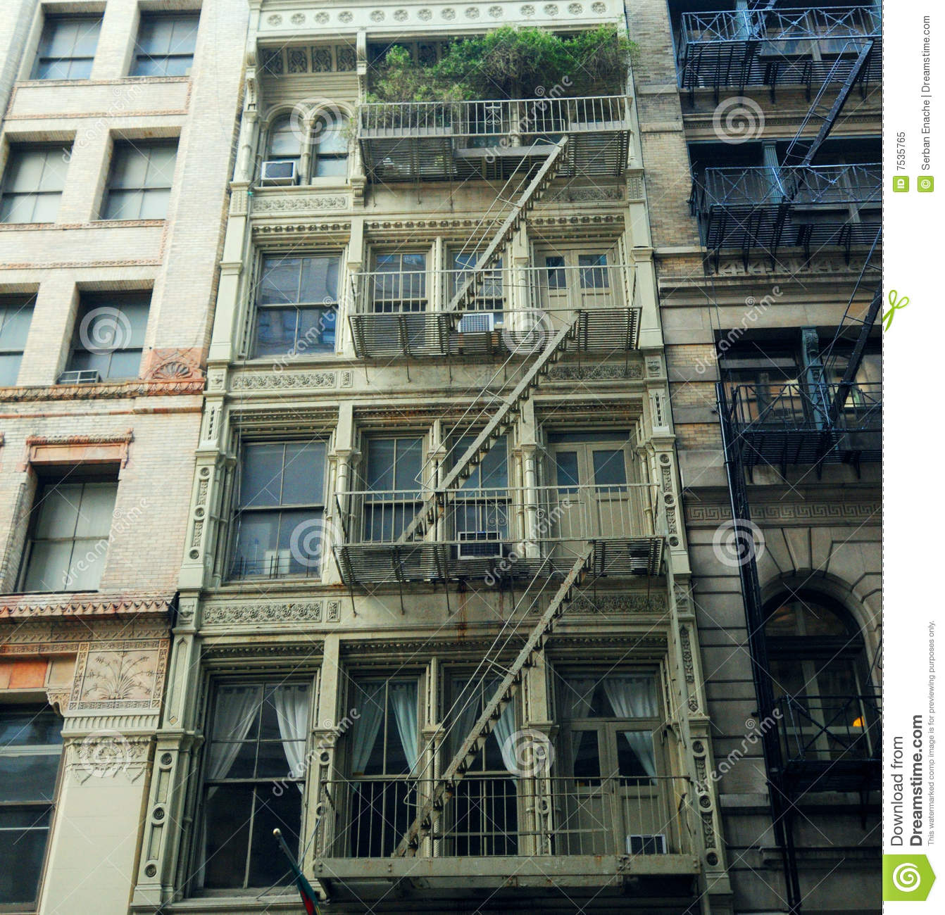 Nyc Apartment Complexes: New York Apartment Building Royalty Free Stock Photo