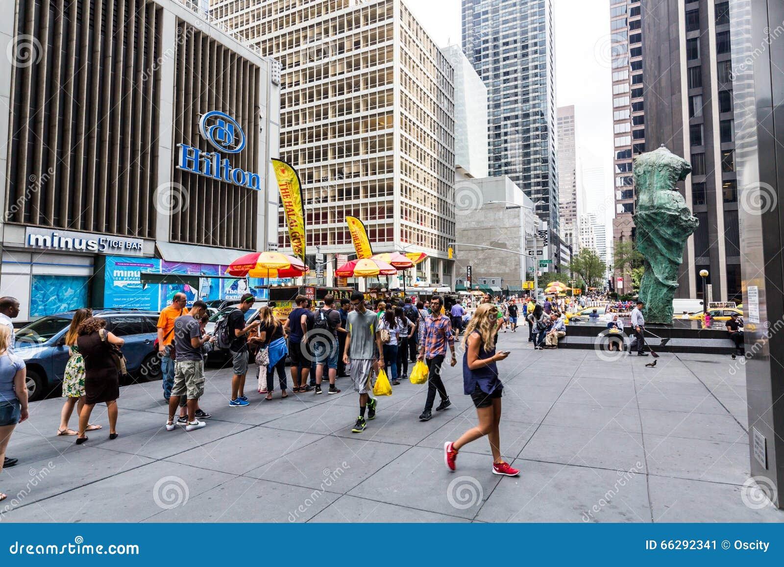 Famous New York Halal Food Vendor In Midtown Manhattan ...