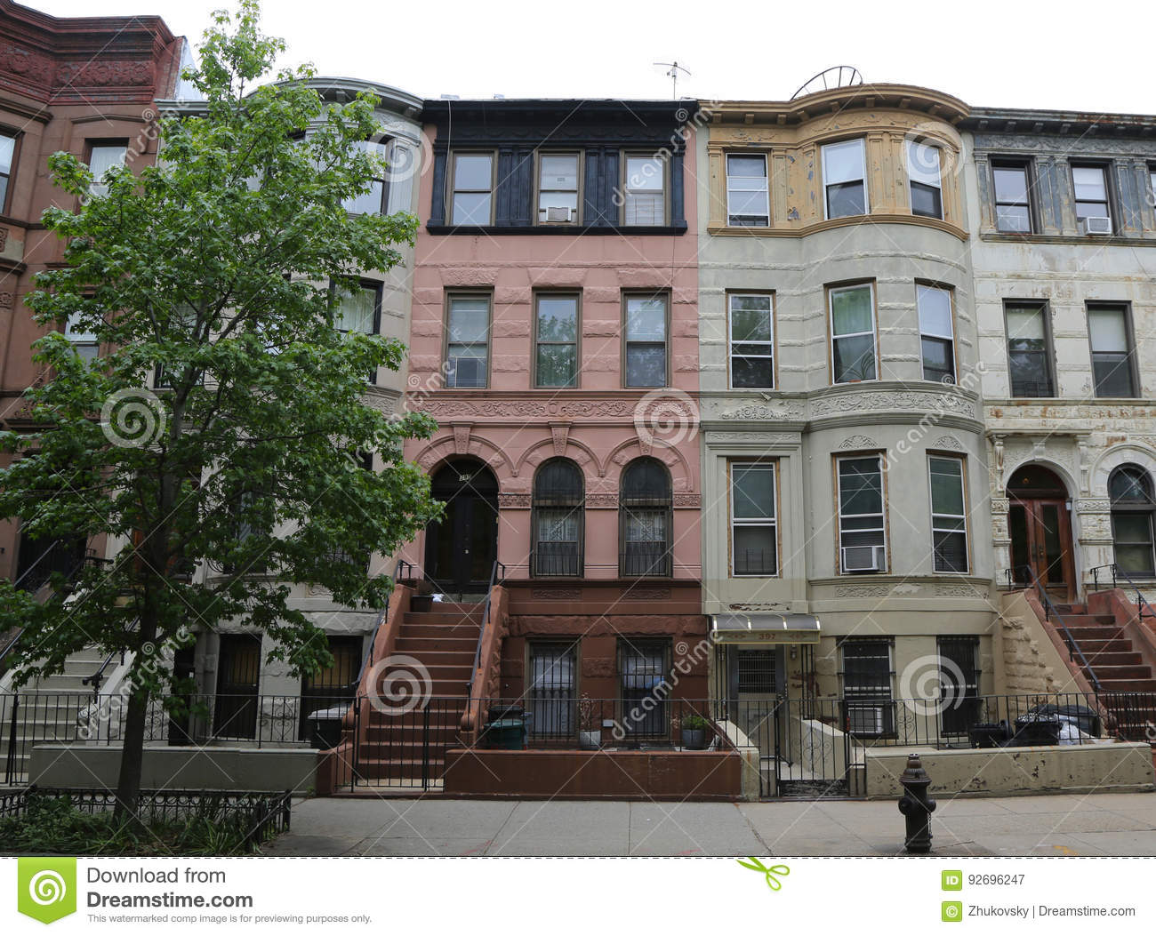 An old street in brooklyn heights new york city editorial for Buying a home in brooklyn