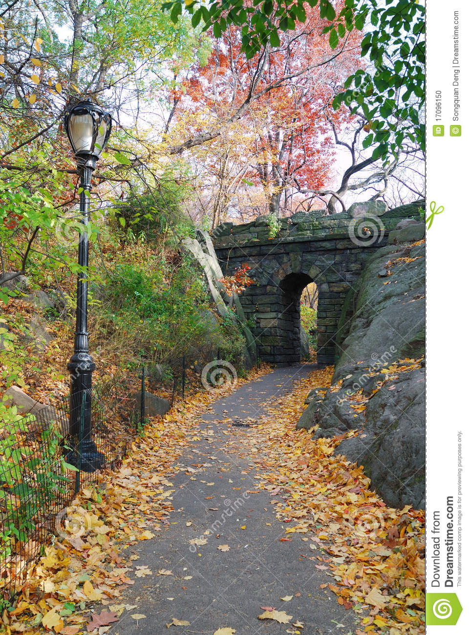 Avant Garden Freenyc Graphic Design Defined By: New York City Central Park Stone Bridge Stock Photo