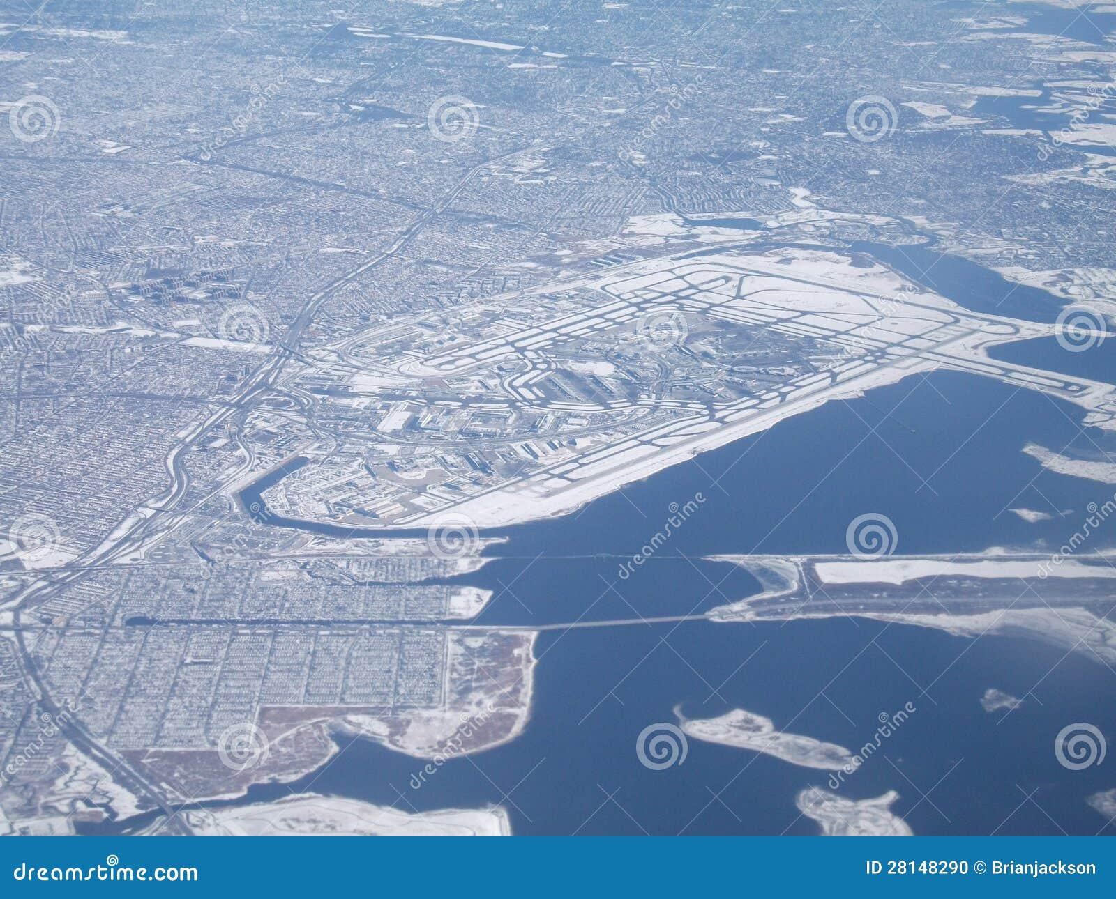 Aeroporto Jfk : New york city jfk airport in winter from air stock photo image of