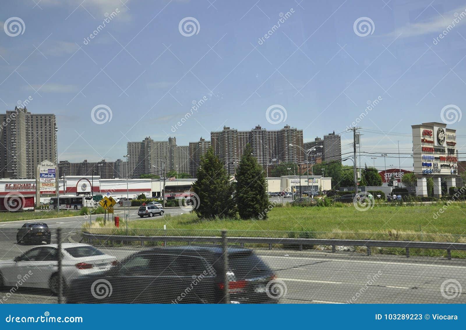 New York City, am 1. Juli: Bucht-Piazza in Bronx von New York City in Vereinigten Staaten