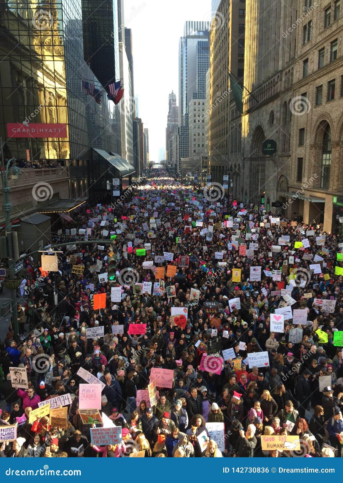 New York City kvinnor marscherar