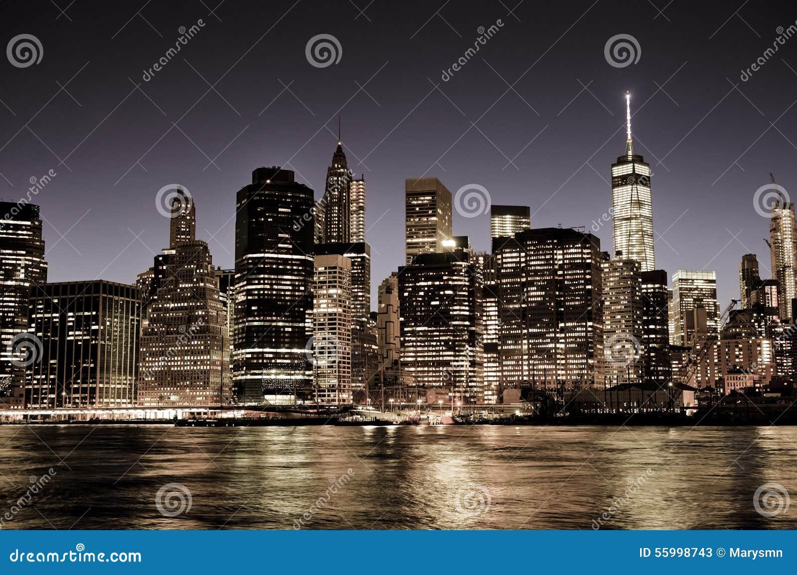 New York City Manhattan i stadens centrum horisont på natten