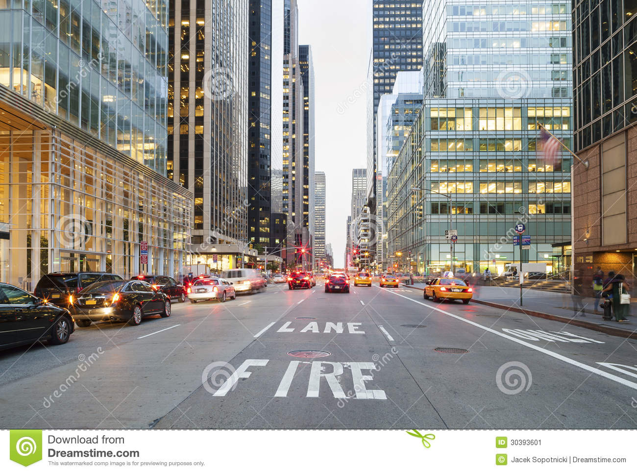 New York City From Street Level Stock Image - Image: 30393601