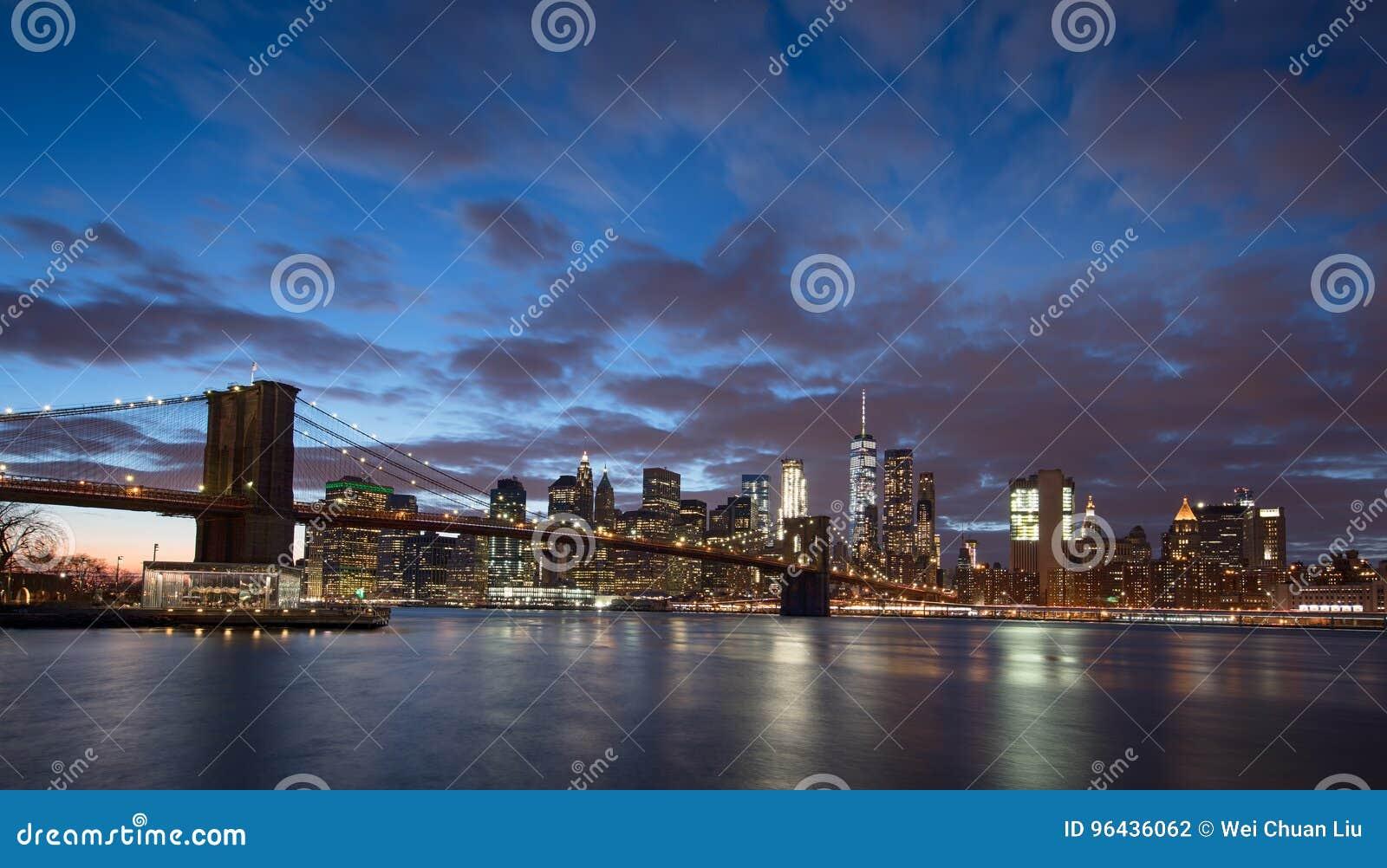 New York City und Brooklyn-Brücke