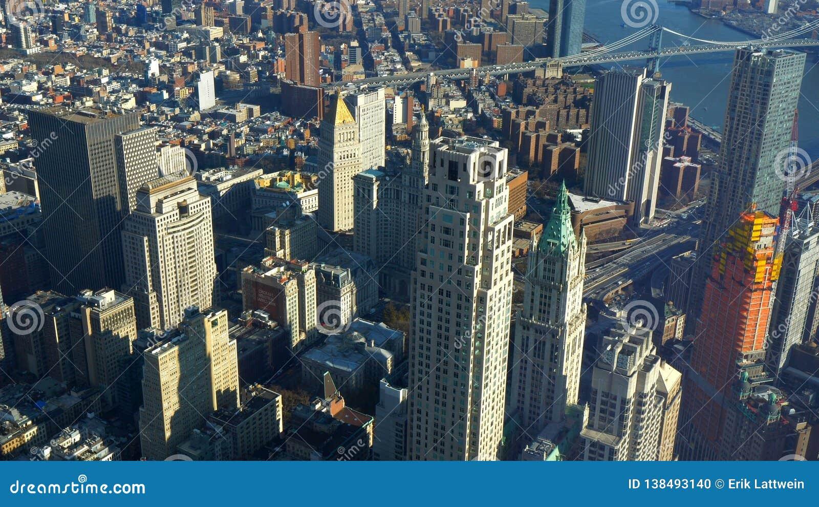 New York de cima de surpreender a vista aérea sobre Manhattan