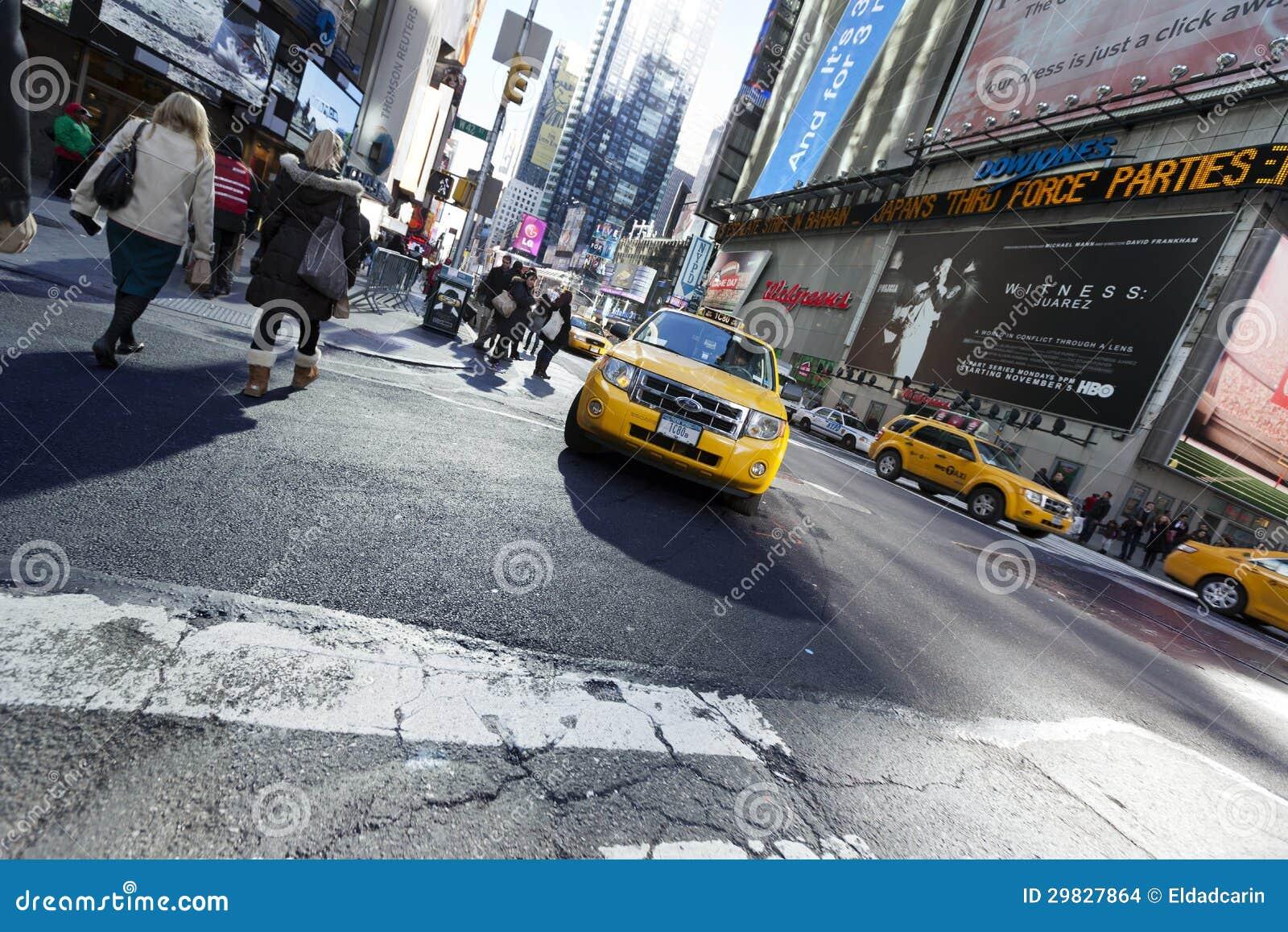 O táxi amarelo esquadra às vezes