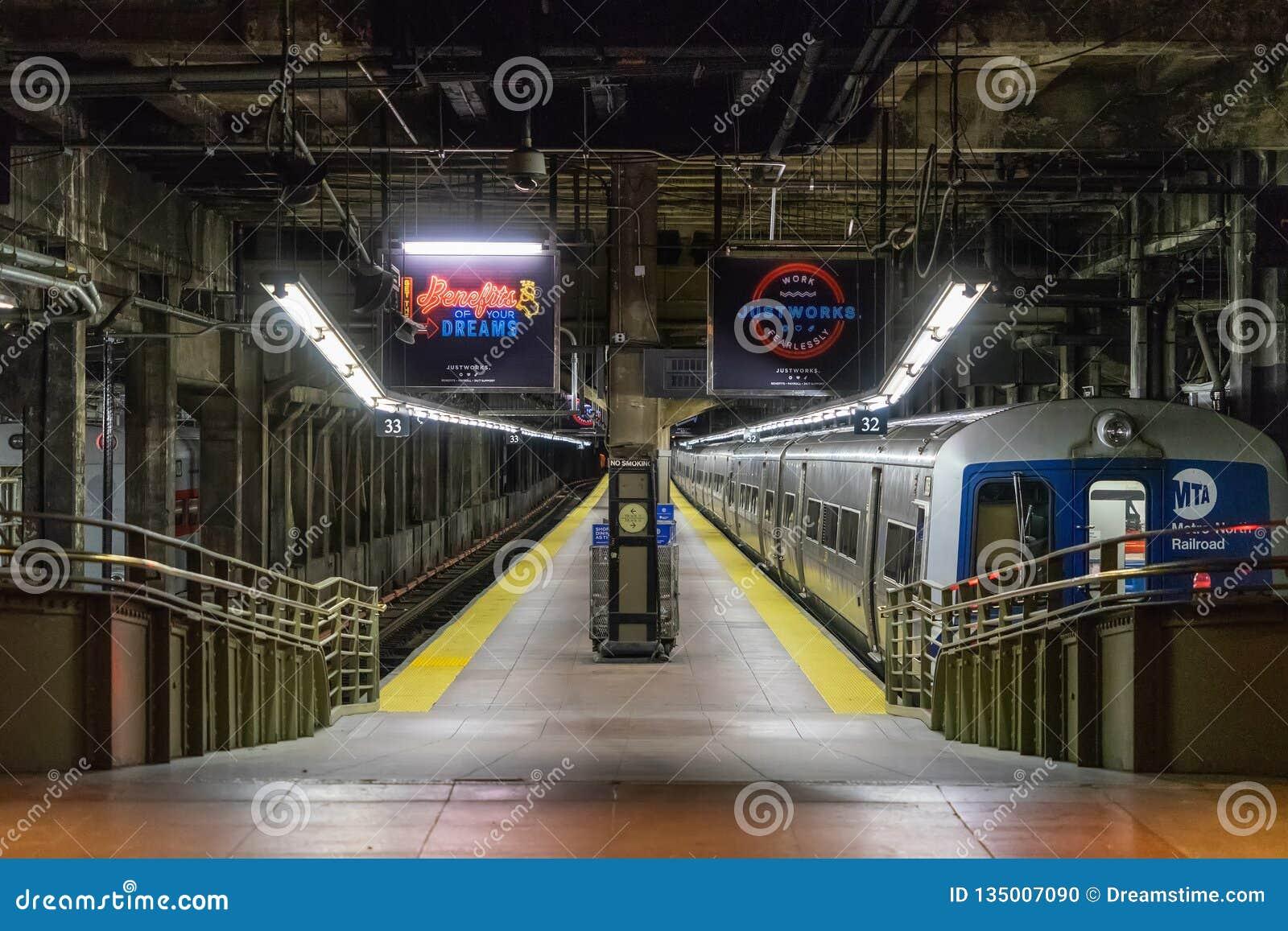 NEW YORK, EUA - 5 DE MAIO DE 2018: Interior de Grand Central em Manhattan, New York City