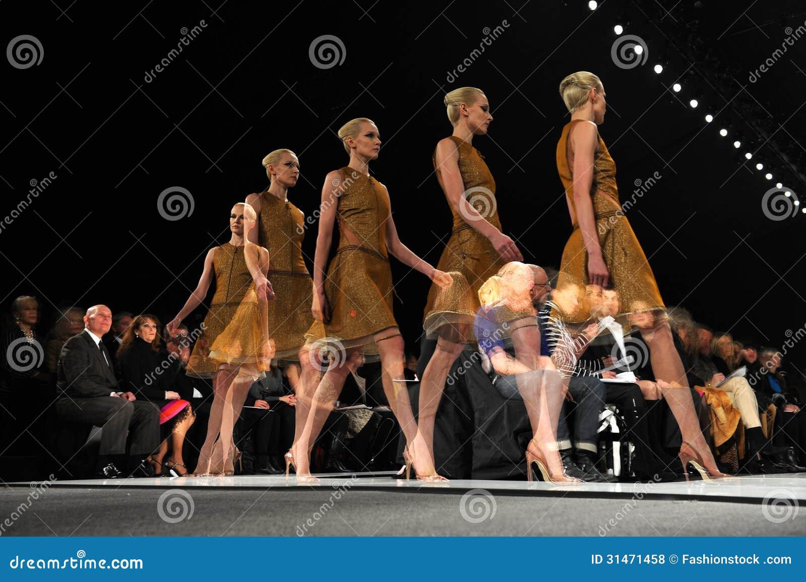 Fashion Show Runway St...