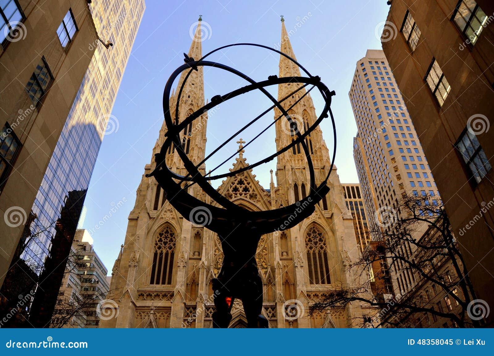 1 2 7 3 Down The Rockefeller Street: New York: La Cattedrale Di St Patrick E Statua Dell