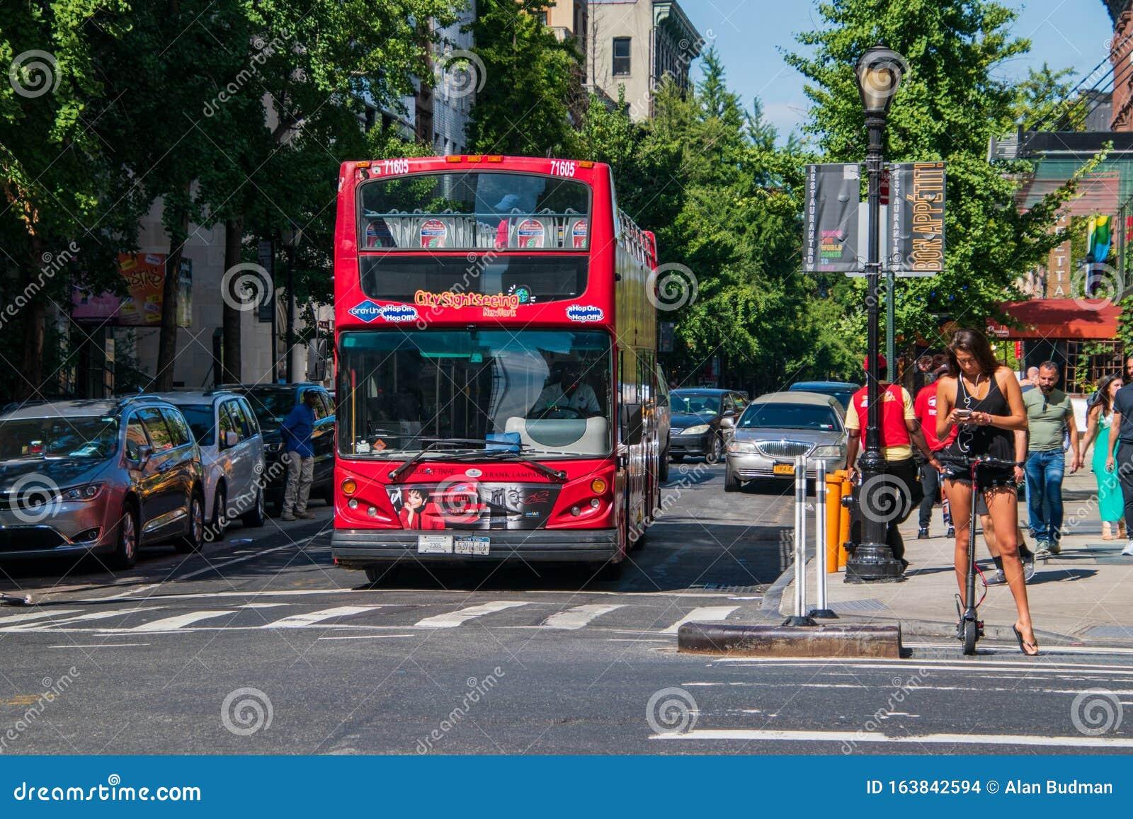 red double decker new york city hop on hop off tour bus
