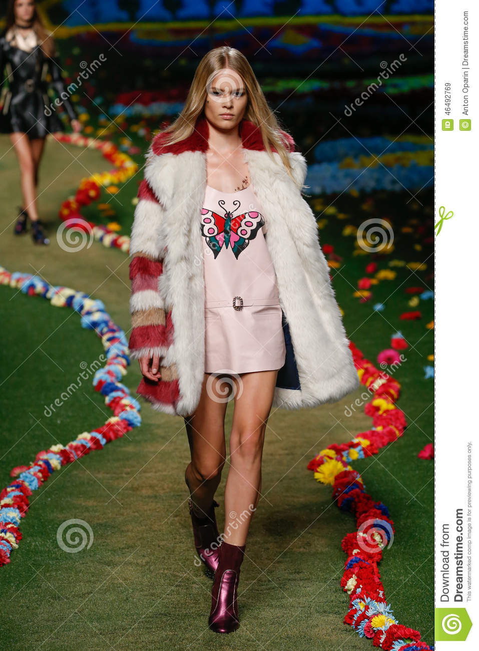 5592ecfc61fb NEW YORK, NY - SEPTEMBER 08: A model walks the runway at Tommy Hilfiger  Women's fashion show during Mercedes-Benz Fashion Week Spring 2015 at Park  Avenue ...