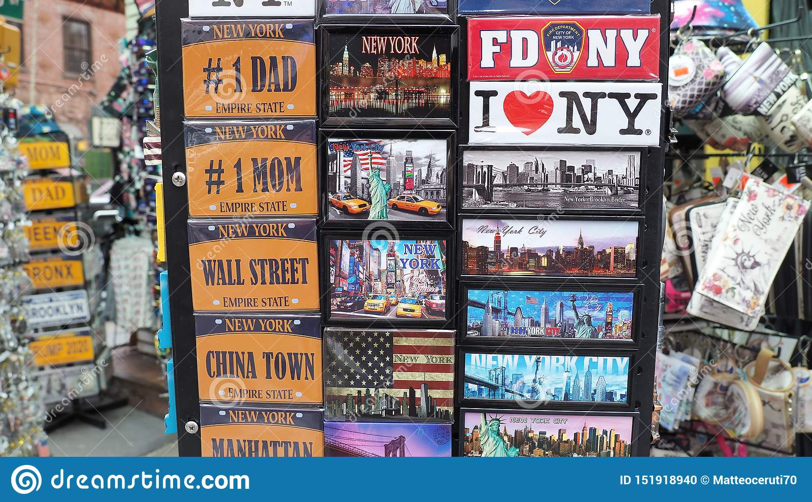 New York NY, USA Samling av magneter som ska s?ljas till turister