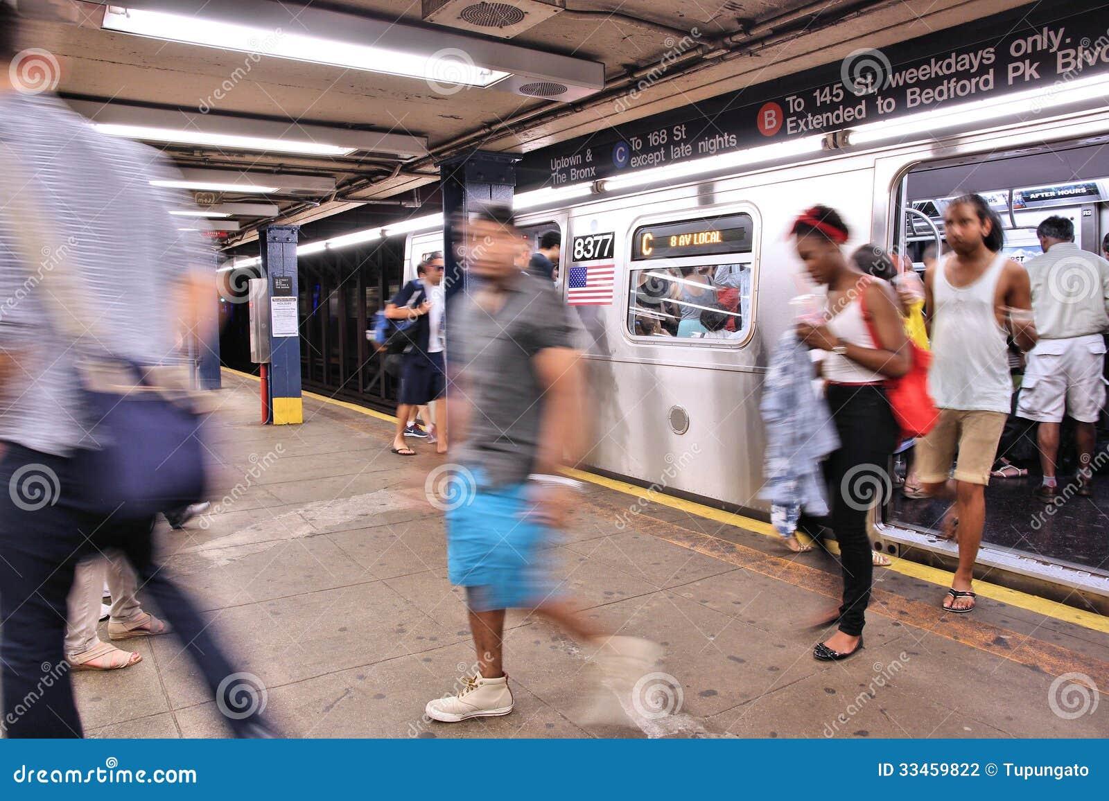 New York Subway Editorial Photography - Image: 33459822