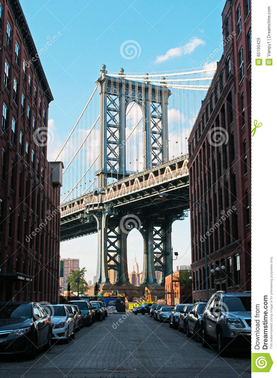 new york usa an iconic view of manhattan bridge from. Black Bedroom Furniture Sets. Home Design Ideas