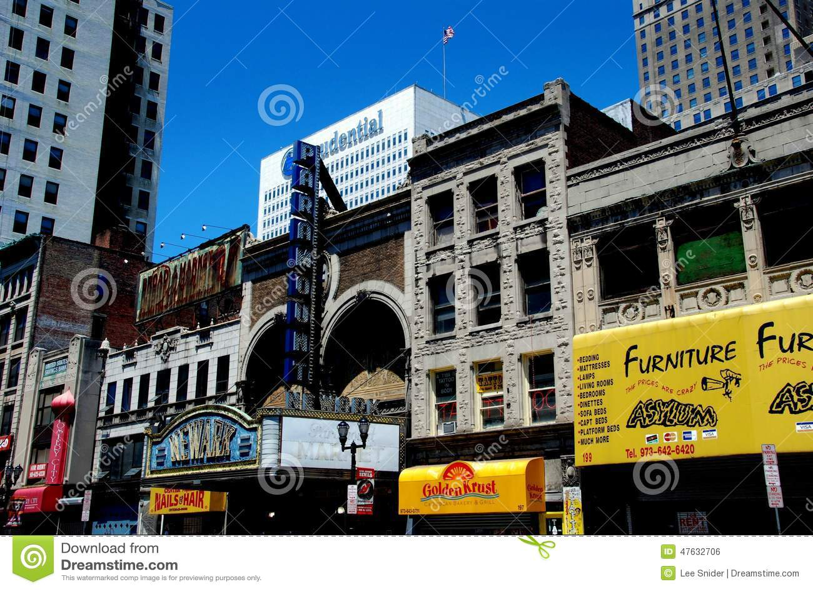 Newark Nj Broad Street Stores And Newark Theatre Editorial Photo Image 47632706