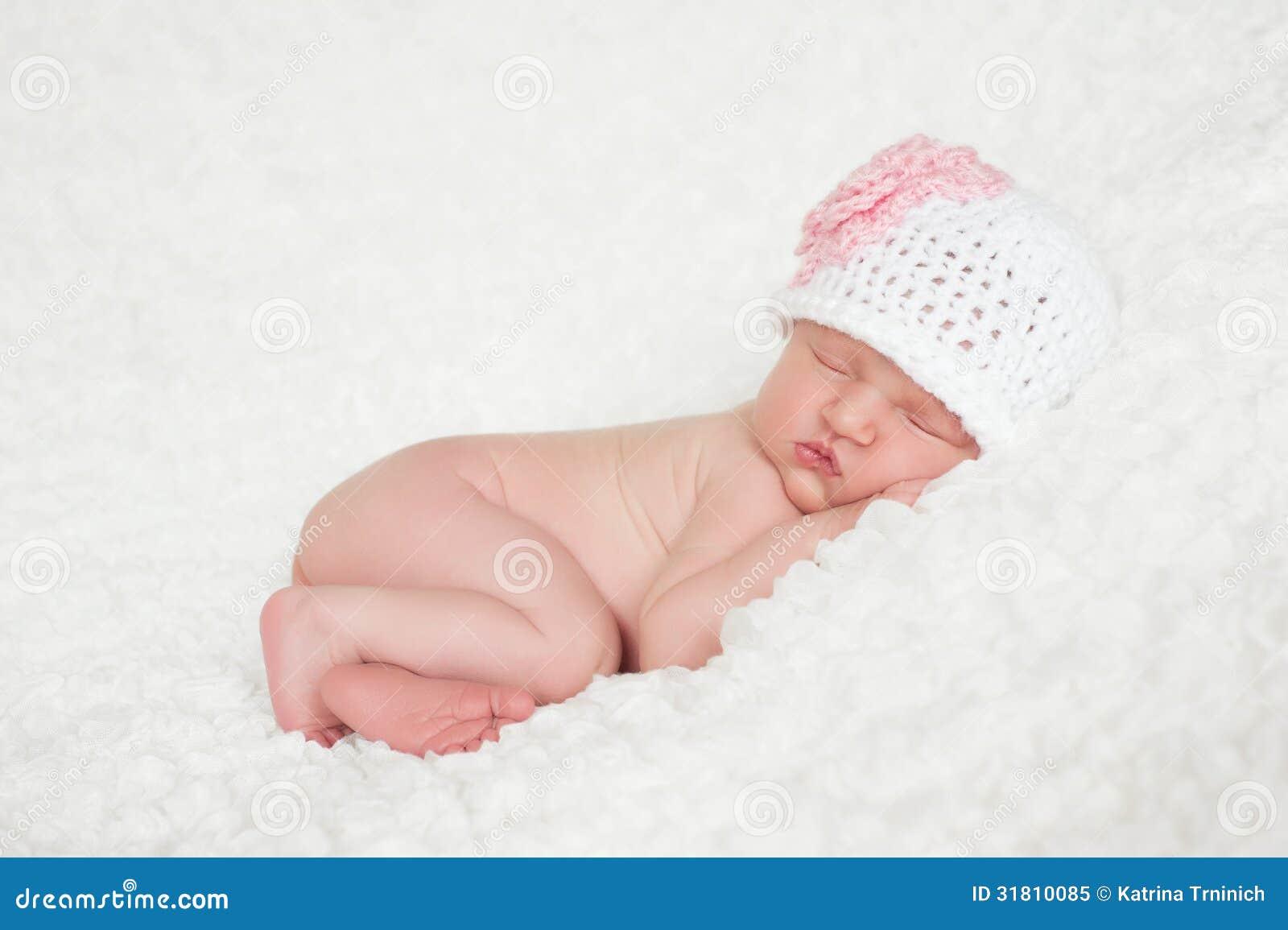 Ребенок вяжет фото