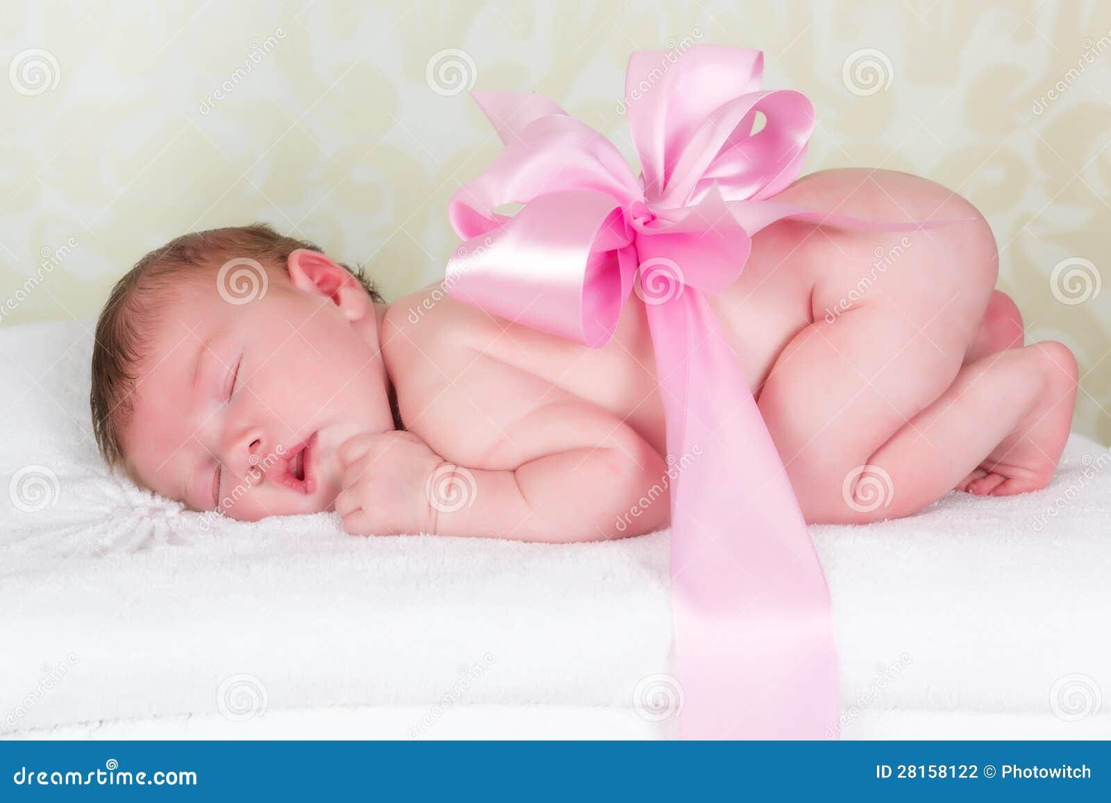 Что такое младенец в подарок