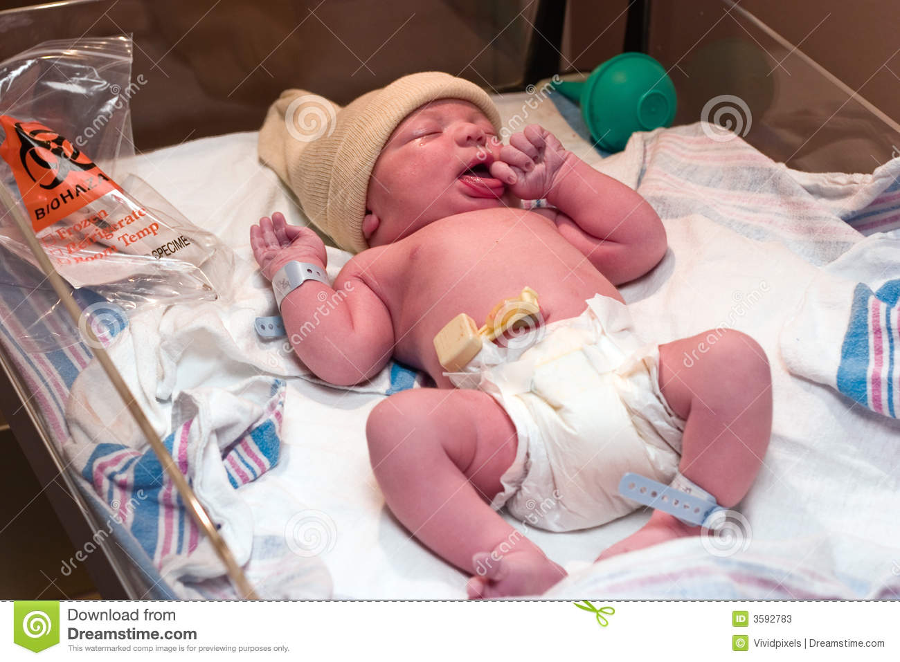 Newborn Baby In Hospital Stock Photos - Image: 3592783