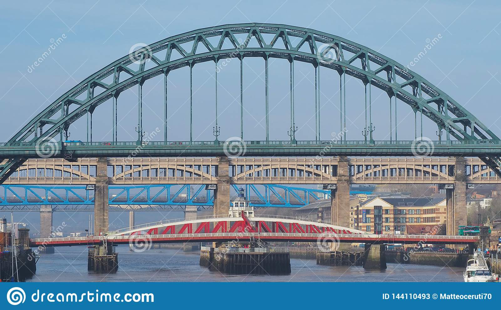 Newcastle sur Tyne, Angleterre, Royaume-Uni Les ponts au-dessus de la rivière Tyne à différents niveaux