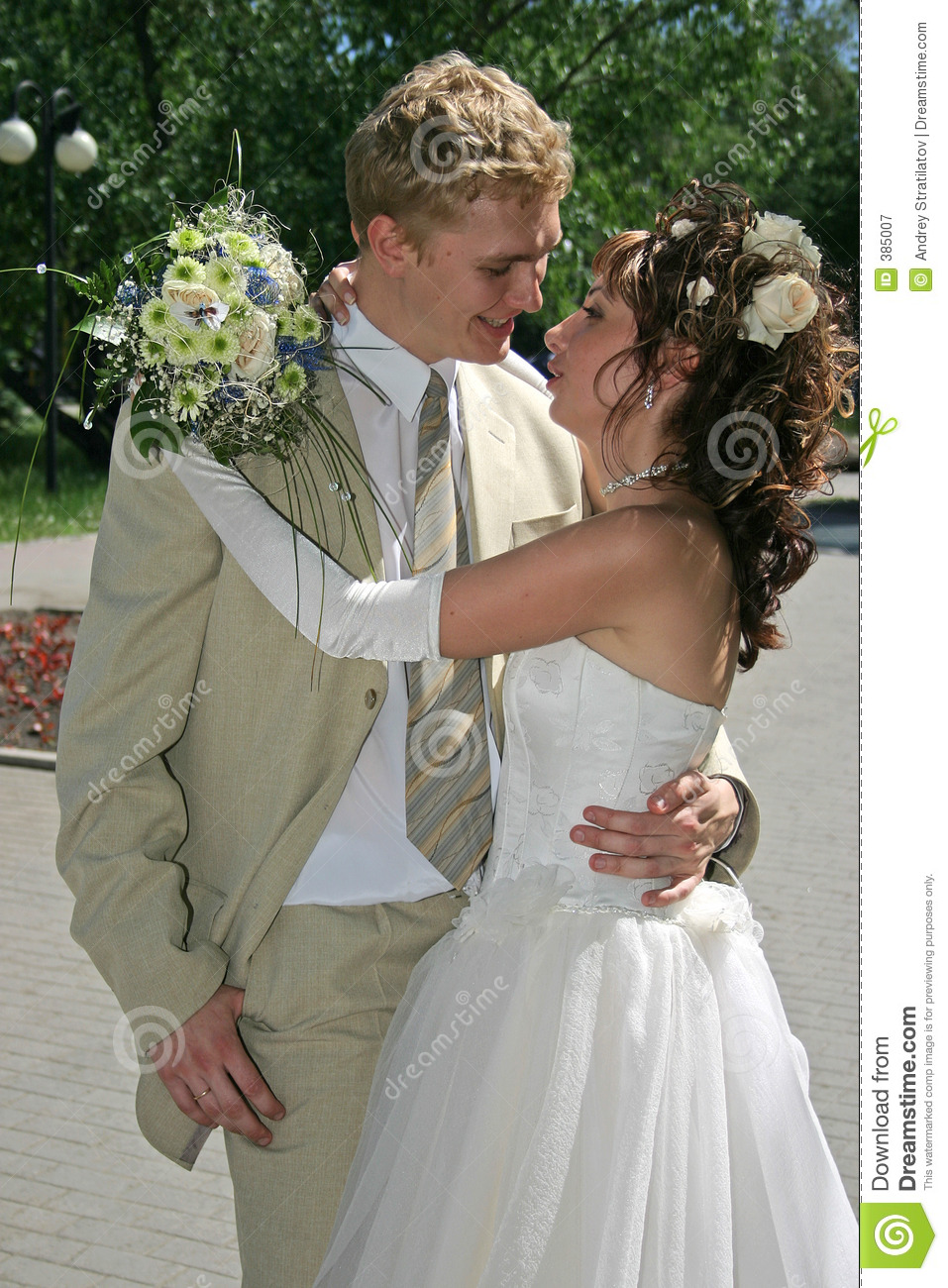 Newly married couple royalty free stock photography image 385007