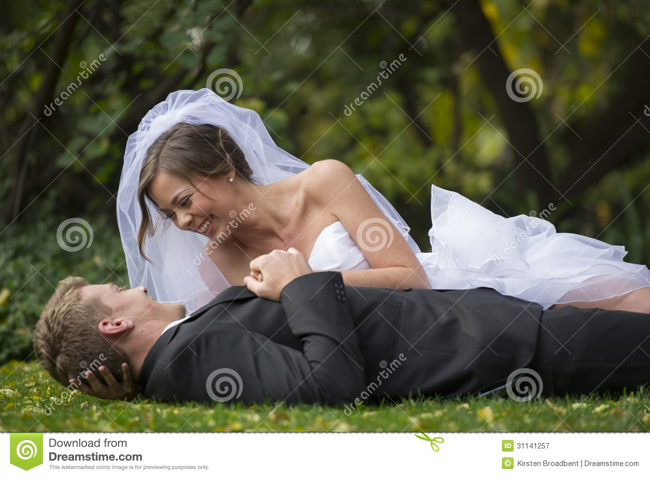 Newly married couple royalty free stock photography image 31141257