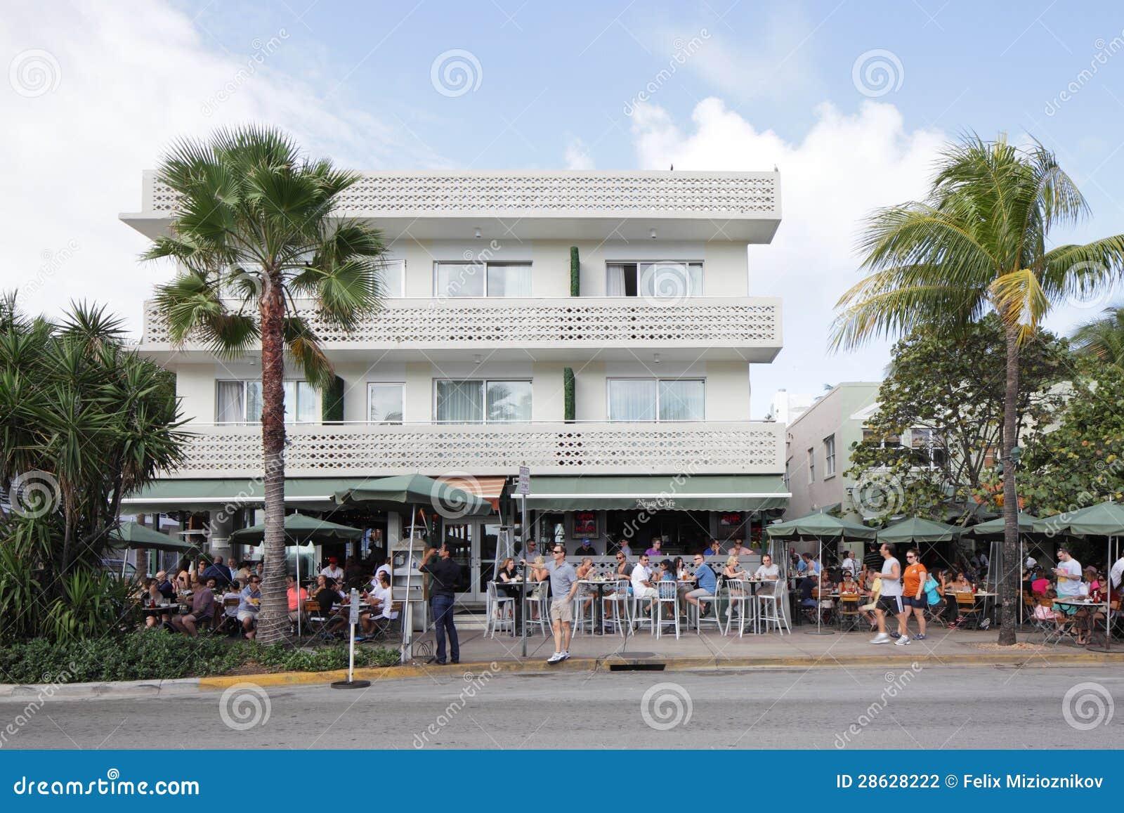 News Cafe Restaurant Miami