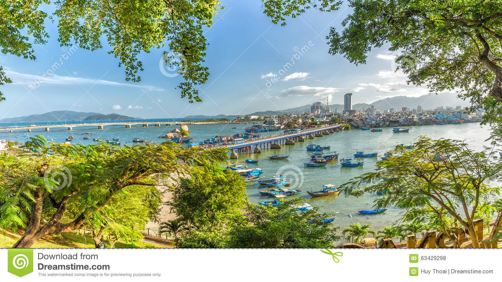 Khanh Hoa Vietnam  city images : In Khanh Hoa, Vietnam February 2nd, 2015: Panorama Boating spring ...